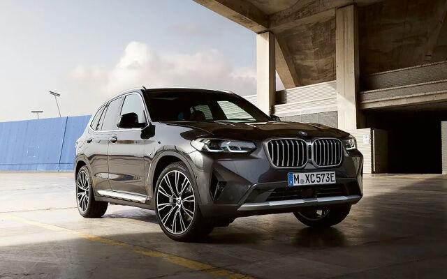 BMW X3: metalliväri 0€ ja talvirenkaat 490€