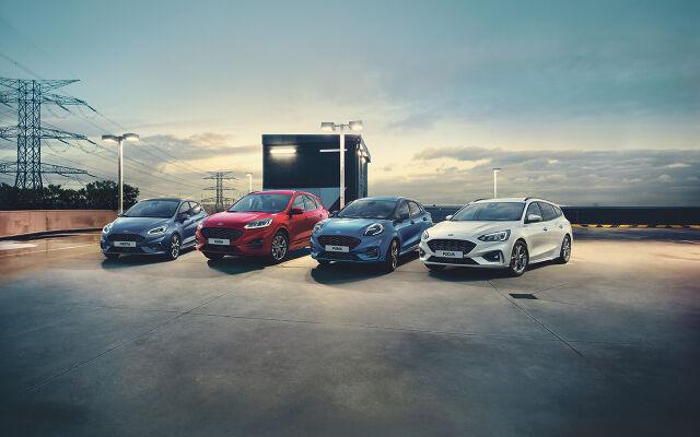 Ford-henkilöautoihin metalliväri ja Winter Pack 0 €