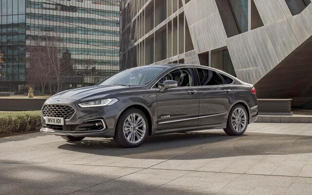 Esittelyssä uusi Ford Mondeo Hybrid