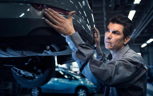 Vauriotarkastamme autosi nyt myös luonasi