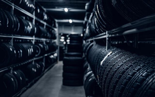 Auton ostajalle renkaiden kausisäilytys ja -vaihto 0€