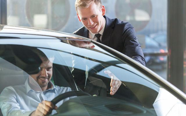 Vaihtoauton ostajalle etuseteli määräaikaishuoltoon