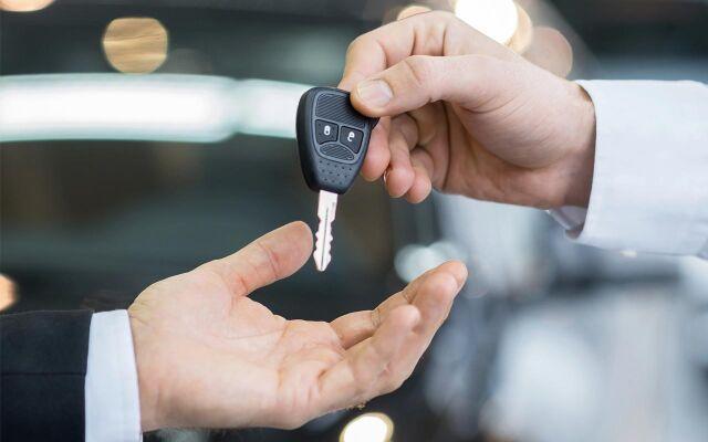 Osta nyt uusi auto tai vaihtoauto - maksa 3 kk päästä*