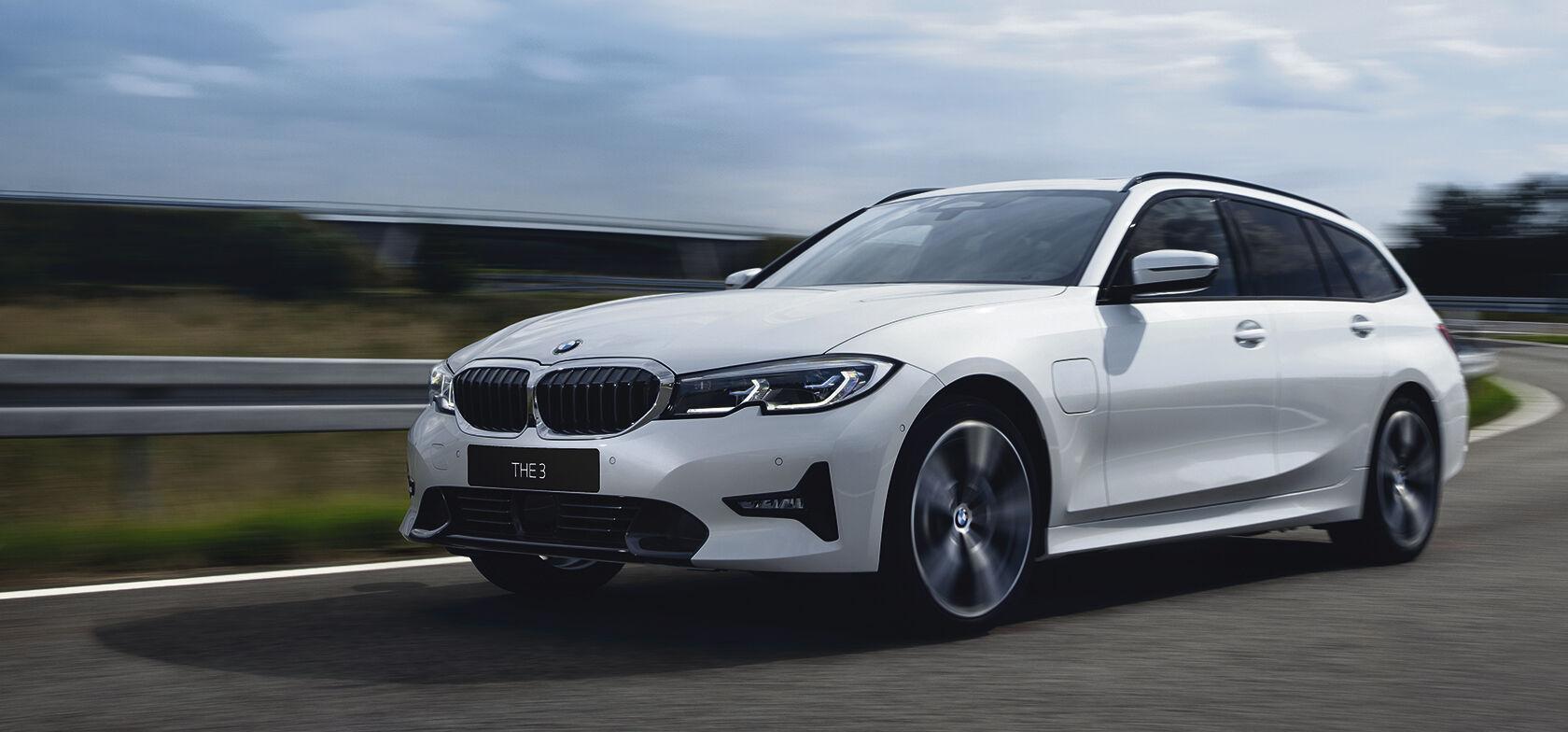 UUSI BMW 320e -malli alk. 44.729 €