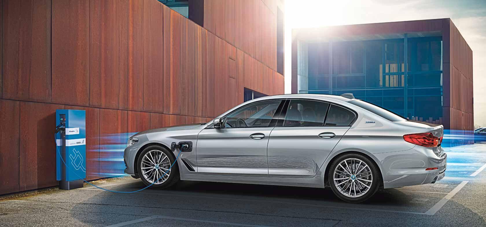 Sähköistävän epäsovinnainen BMW 530e Plug-in hybrid