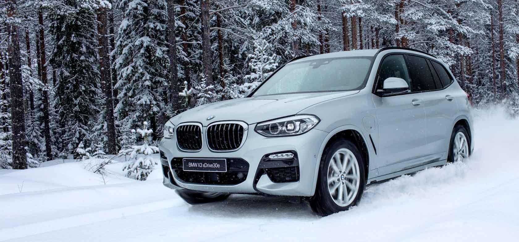 BMW X3 PHEV OSTAJALLE metalliväri 0€ & talvirenkaat 499€