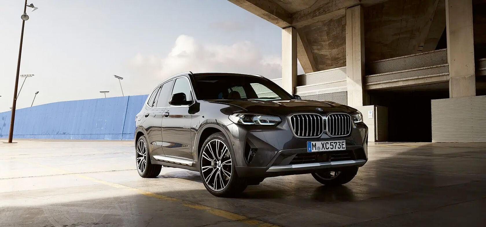 BMW X3 OSTAJALLE METALLIVÄRI 0€ JA TALVIRENKAAT 490€
