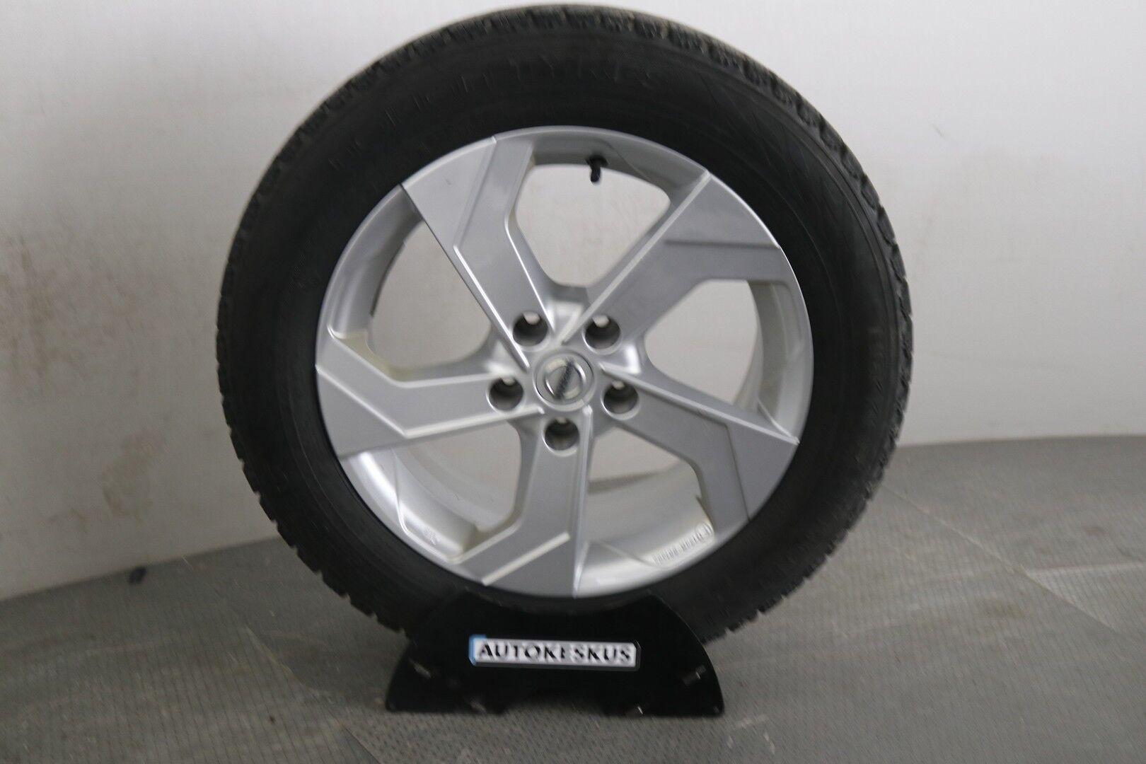 Nissan Qashqai iso kuva 8